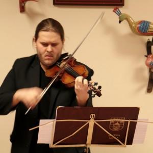 Koncert kolęd wbibliotece