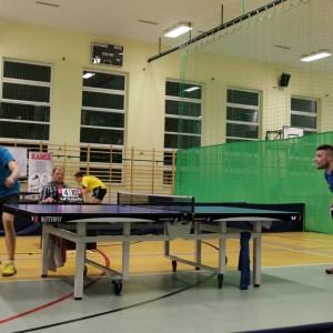 Tenis stołowy wRedzie: wygrana zliderem