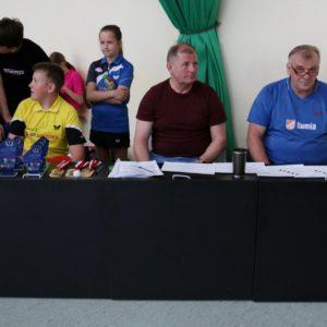 """Turniej samorządowców """"Małego Trójmiasta Kaszubskiego"""" wtenisie stołowym"""