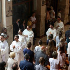 Pierwsza  wRedzie msza święta powłosku
