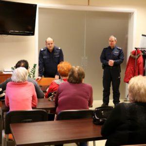 """""""Bezpieczny Senior"""" – spotkanie seniorów zpolicjantami"""