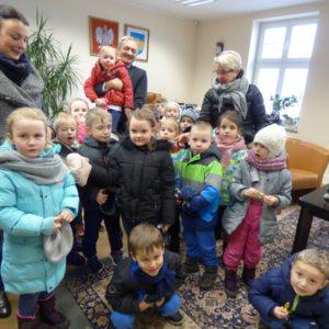 Wielkanocna wizyta przedszkolaków wUrzędzie