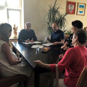 Podpisano umowy na dofinansowanie pobytu dzieci w żłobkach i klubie dziecięcym funkcjonujących na terenie Gminy Miasto Reda