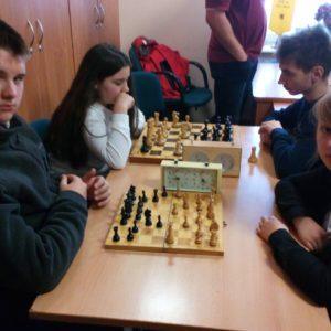 Zmagania młodych szachistów