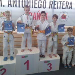 Listopadowe sukcesy młodych judoków UKS Simba Reda
