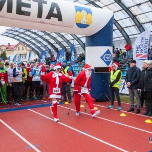 Mikołaje biegali wRedzie