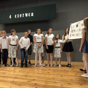 Uczniowie uczcili 30 rocznicę pierwszych częściowo wolnych wyborów.