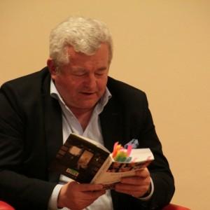 Jarosław Gugała w redzkiej MBP