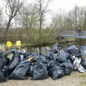 7,5 tony śmieci zrzeki Redy