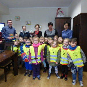 Przedszkolaki z wielkanocną wizytą w urzędzie