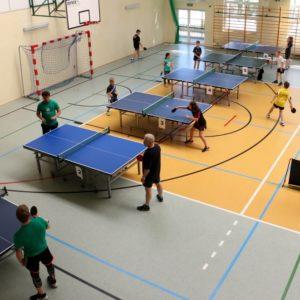 """Turniej samorządowców """"Małego Trójmiasta Kaszubskiego"""" w tenisie stołowym"""