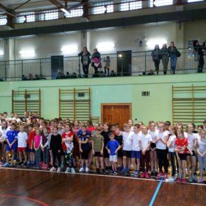 Miejskie Igrzyska Dzieci dla klas IV imłodszych wHalowej  Lekkiej Atletyce