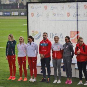 Redzcy zawodnicy wywalczyli pierwsze miejsce w sztafecie 4x100m